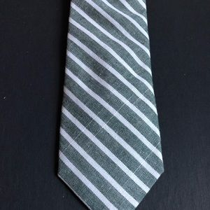 An Ivy Accessories - Ann Ivy Green and White Striped Tie